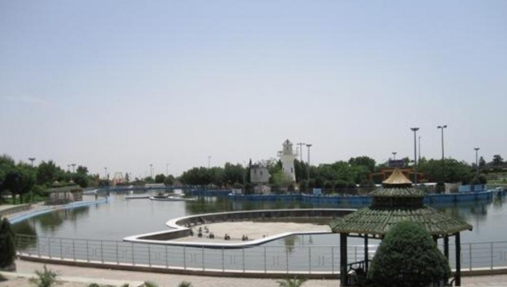 ماهیگیری در دریاچه پارک المهدی