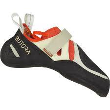 انواع وسایل کمپو کوهنوردی از جمله بهترین کفش و کوله و لوازم و تجهیزات کوهنوردی .